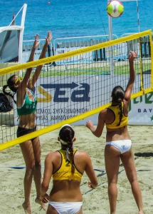beach-volley-1545530_1920